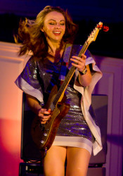 Samantha Fish brought her big blues sound to Village Presbyterian Friday.