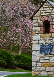 Despite what you might have read on the internet, Mission Hills — and not Prairie Village — is the richest town in Kansas.