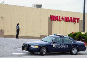 Wal-Mart_Bomb-threat