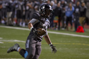 Running back Wyatt Edmisten led the Lancers with three touchdowns.