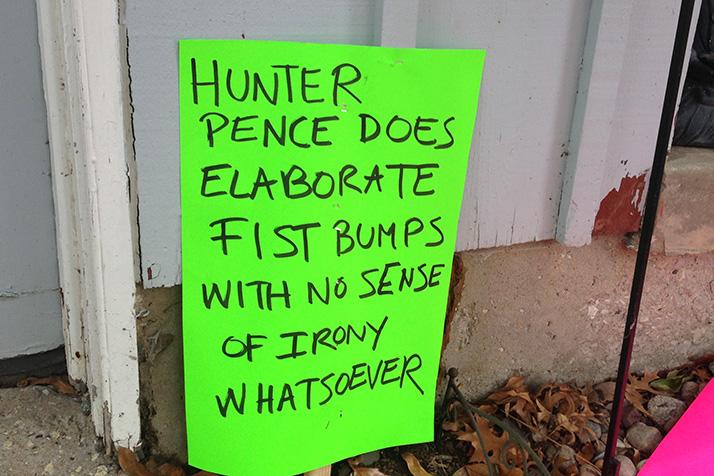 Hunter_Pence_Fist_Bumps