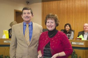 Mayor Steve Schowengerdt recognized city councilor Debbie Kring for 15 years of service.