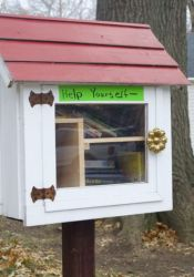 This Little Free Library is in Roeland Park on Rosewood near Ash.