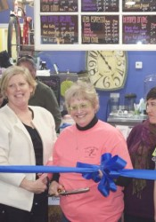 Mission Mayor Steve Schowengerdt helped sisters Nancy Hansen and Sandi Russell, along with Chamber members and employees celebrate the remodel.