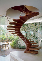 pic 4 unique-spiral-staircase