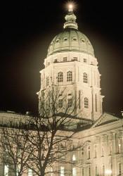 Kansas_CapitoL_Night_16