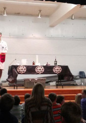 Mad Science put on demonstrations in the Tomahawk gym. Photo via Brian Watson Twitter.