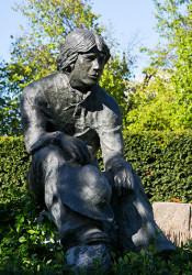 SME_Statue