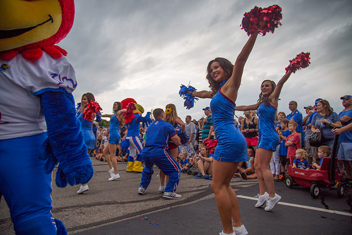 Photo_KU_Kickoff_Cheer
