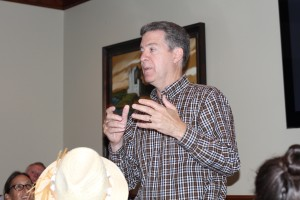 Gov. Sam Brownback talks to the Northeast Johnson County Conservatives